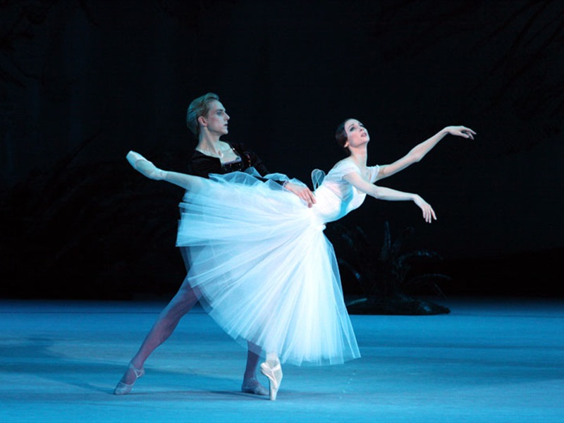 EventGalleryImage_Giselle_800a.jpg