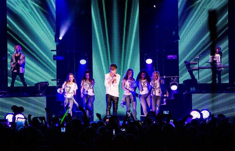 EventGalleryImage_IsacElliot_DreamBig_800f.jpg